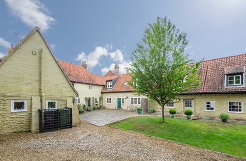 Last Minute Cottages - Attractive Little Walsingham Cottage S114575