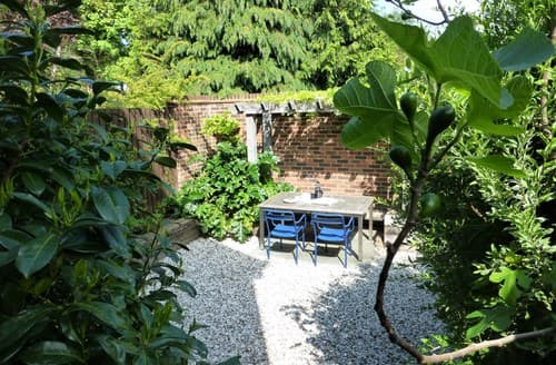 Last Minute Cottages - Attractive Datchet Apartment S77304