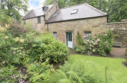 Last Minute Cottages - Lovely Eglingham Cottage S97877