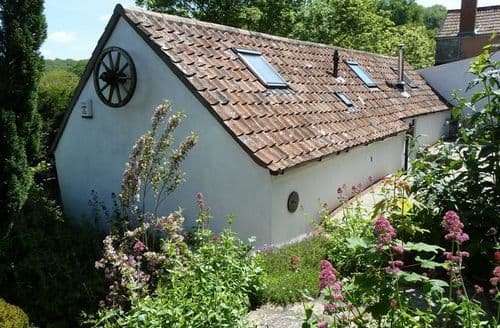Last Minute Cottages - Luxury Banwell Barn S25446