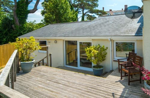 Last Minute Cottages - Cosy Cowes Cottage S101464
