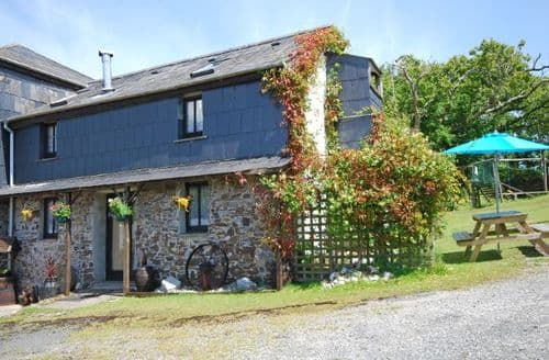 Last Minute Cottages - Lovely Bude Barn S7794