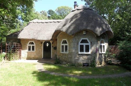 Last Minute Cottages - Splendid Calbourne Cottage S101467