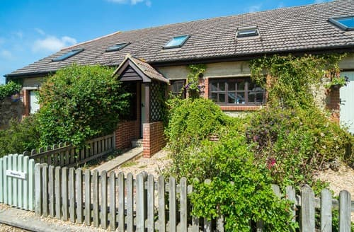 Last Minute Cottages - Luxury Godshill Cottage S101471