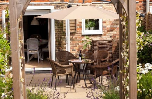 Last Minute Cottages - Exquisite Tenterden Cottage S72525