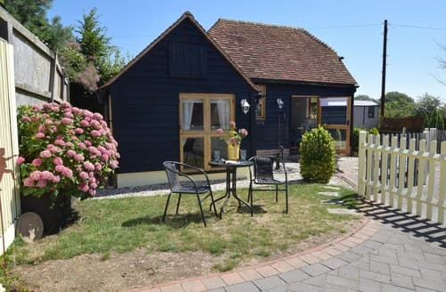 Last Minute Cottages - Lovely Hailsham Cottage S106089