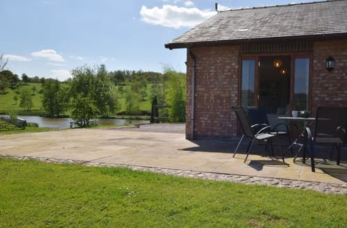 Last Minute Cottages - Cosy Worcester Bungalow S77291