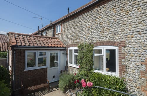 Last Minute Cottages - Gorgeous Mundesley Cottage S114600