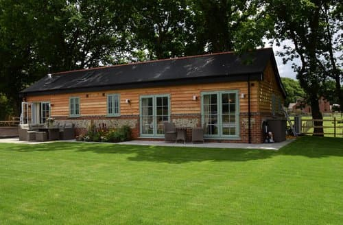 Last Minute Cottages - Delightful Southampton Barn S59520