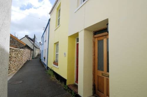 Last Minute Cottages - Tasteful Appledore Cottage S8060