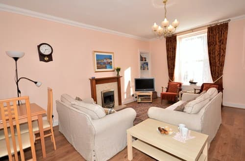 Last Minute Cottages - Quaint Leven House S7304