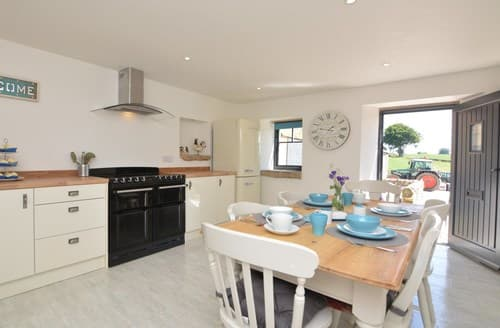 Last Minute Cottages - Charming Matlock Barn S84186