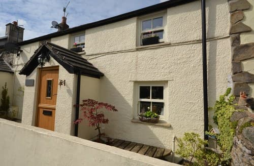 Last Minute Cottages - Superb Bridgend Cottage S121099