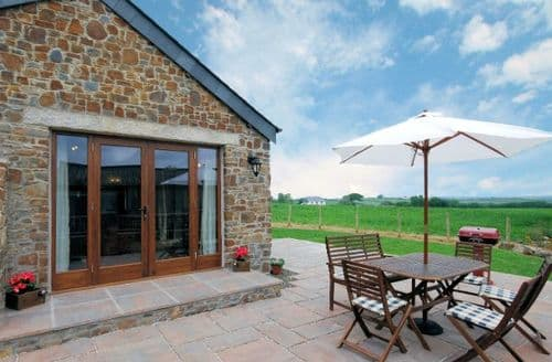Last Minute Cottages - Delightful Holsworthy Barn S7951