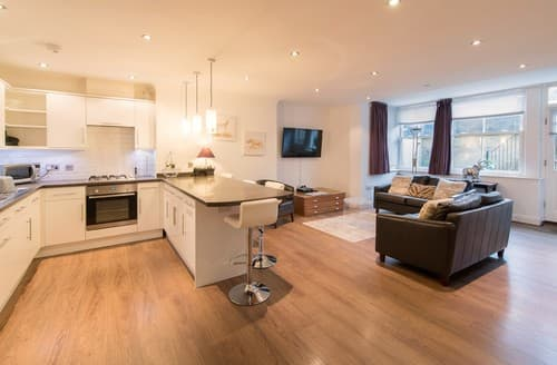 Last Minute Cottages - Inviting Harrogate Apartment S122154