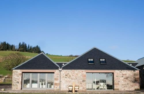 Last Minute Cottages - Quaint Kirriemuir Barn S9714