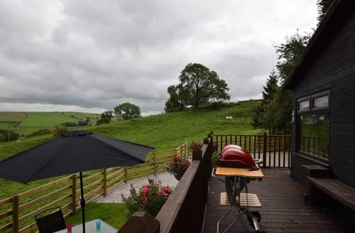 Last Minute Cottages - Stunning Leek Log Cabin S84347