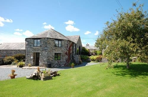 Last Minute Cottages - Captivating Tavistock Apartment S7911