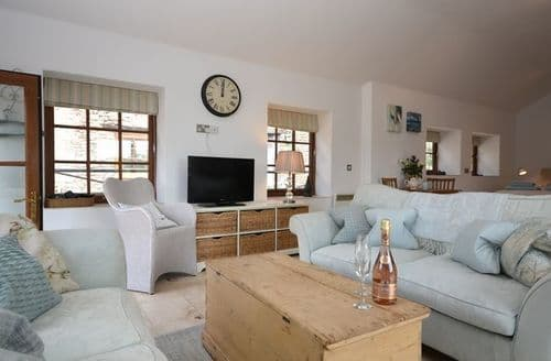 Last Minute Cottages - Charming Cullompton Barn S34866
