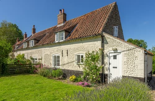 Last Minute Cottages - Captivating Field Dalling Cottage S114616
