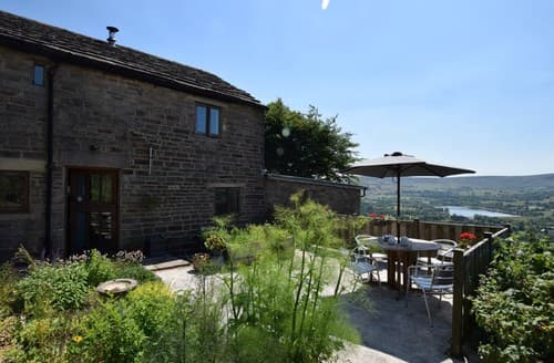 Last Minute Cottages - Charming Whaley Bridge Cottage S58992