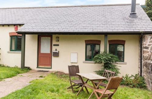 Last Minute Cottages - Stunning St Ishmael's Cottage S122761