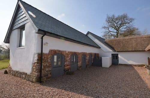 Last Minute Cottages - Excellent Cullompton Barn S25406