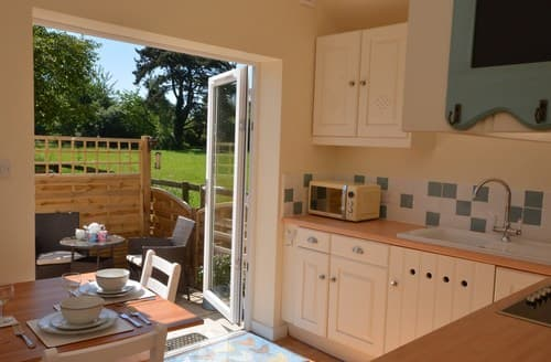 Last Minute Cottages - Lovely Malmesbury Bungalow S78224