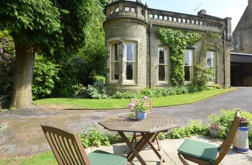Last Minute Cottages - Wonderful Glossop Wing S82804