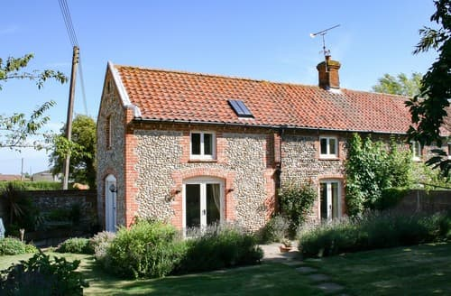 Last Minute Cottages - Captivating Hindringham Cottage S114624