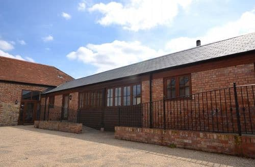 Last Minute Cottages - Captivating Taunton Barn S39661