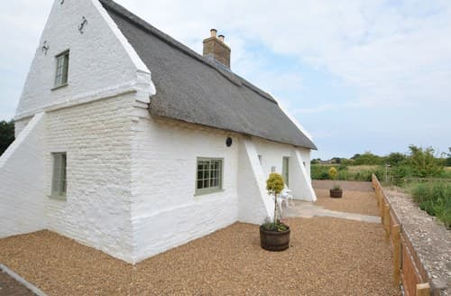 Last Minute Cottages - Luxury Skegness Apartment S83691