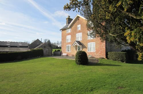 Last Minute Cottages - Captivating Kington House S45908