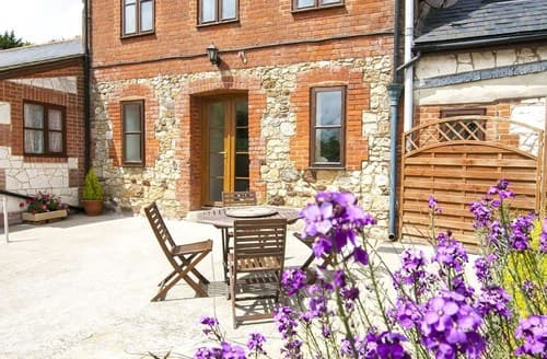 Last Minute Cottages - Charming Merstone Cottage S101518