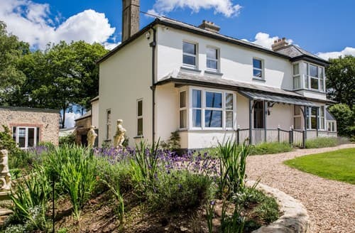 Last Minute Cottages - Charming Axminster House S89504