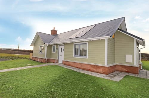 Last Minute Cottages - Beautiful Beadnell Bungalow S98001