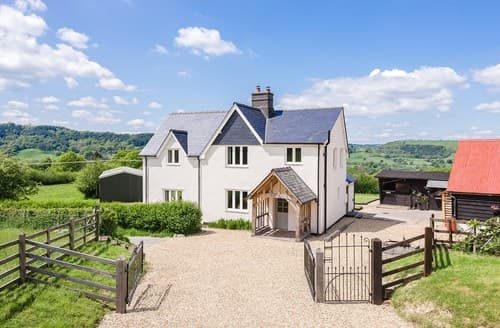 Last Minute Cottages - Tasteful Llandinam House S81336