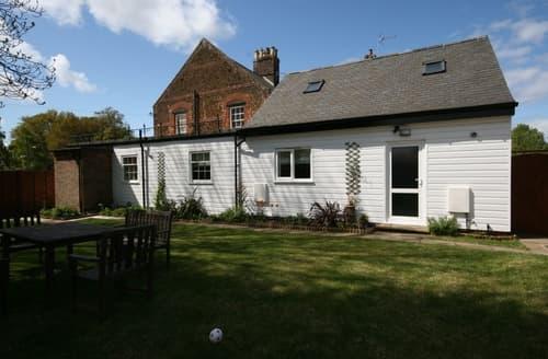 Last Minute Cottages - Superb Heacham Apartment S114459