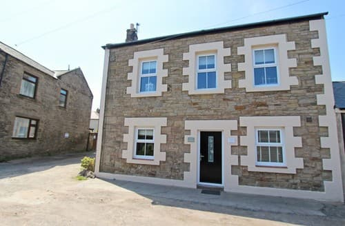 Last Minute Cottages - Tasteful Seahouses Cottage S98003