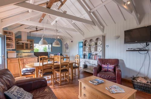 Dog Friendly Cottages - Delightful Padstow House S8443