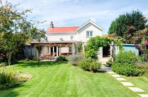 Last Minute Cottages - Attractive Bembridge Cottage S101523