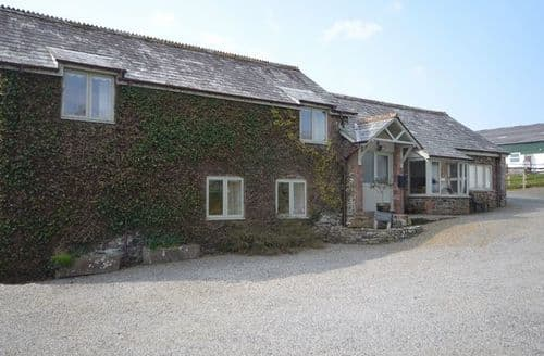 Last Minute Cottages - Attractive Bude Barn S7481
