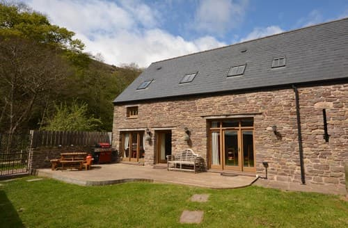 Last Minute Cottages - Beautiful Crickhowell Barn S80322