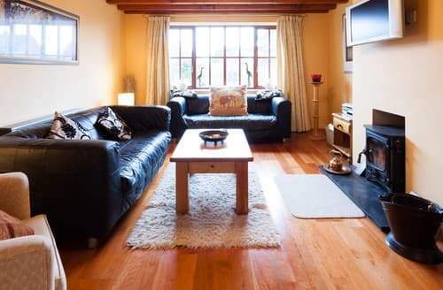 Last Minute Cottages - Cosy Blakeney House S114482