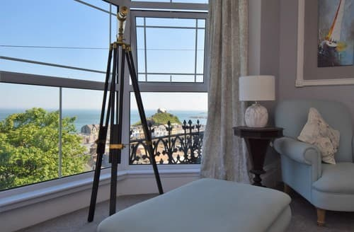 Last Minute Cottages - Cosy Ilfracombe House S81710