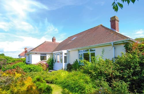 Last Minute Cottages - Delightful Totland Bay Cottage S101529