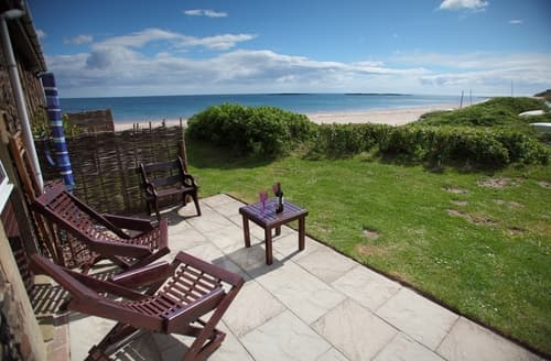 Last Minute Cottages - Tasteful Low Newton   By  The  Sea Cottage S98033