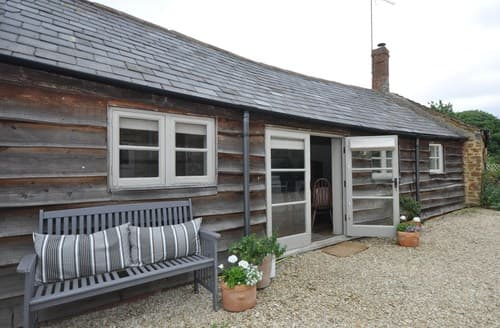 Last Minute Cottages - Superb Banbury Barn S83986