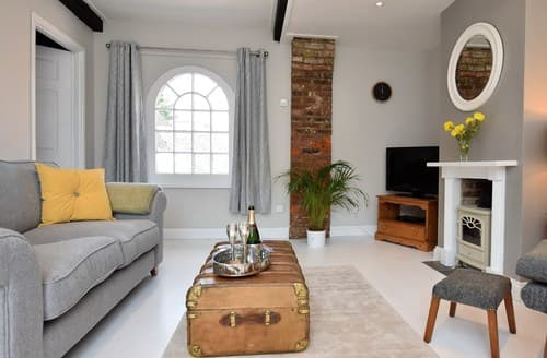 Last Minute Cottages - Attractive Rye Apartment S82678