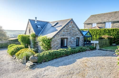 Dog Friendly Cottages - Gorgeous Padstow Cottage S8235